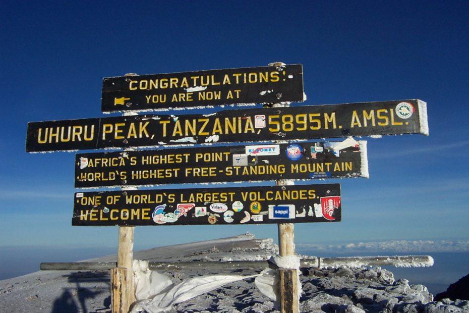 Uhuru Peak (Foto: Arne D., gemeinfrei)